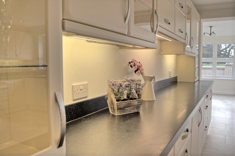 2 Facing Cupboard & Work Surface